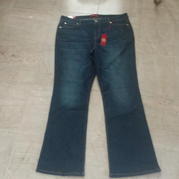 Jennifer Lopez Denim - J LO Boot Cut Jeans NEW